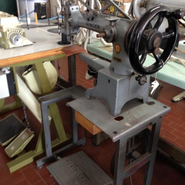 Macchina per cucire singer 29k71 da riparatoremorini macchine for Macchine da cucire usate
