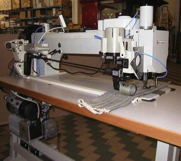 Macchina zig zag per cucire materiale pesante morini for Macchine cucire usate